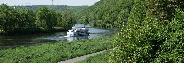 Ausflusboot auf der Ruhr